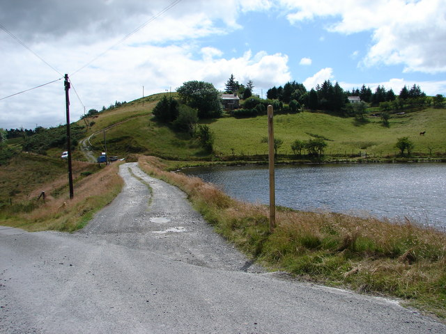 Llyn Yr Oerfa is at the bottom of the drive